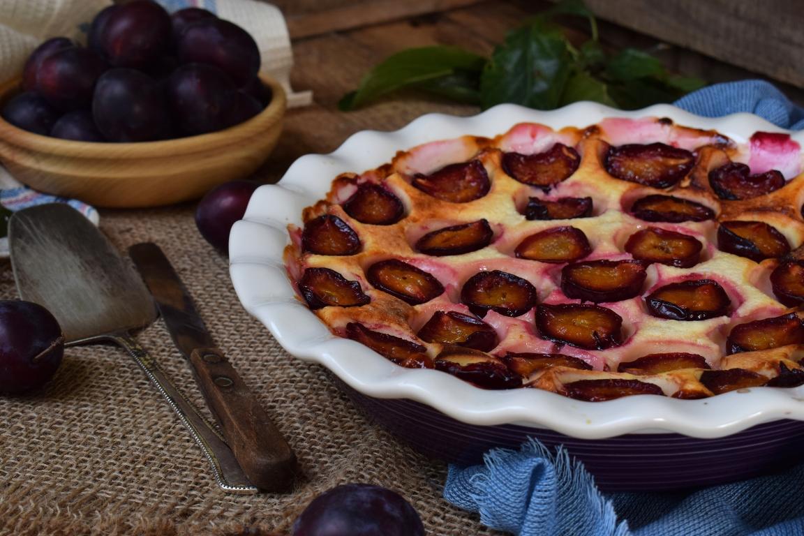 Вкуснейший заливной пирог со сливами