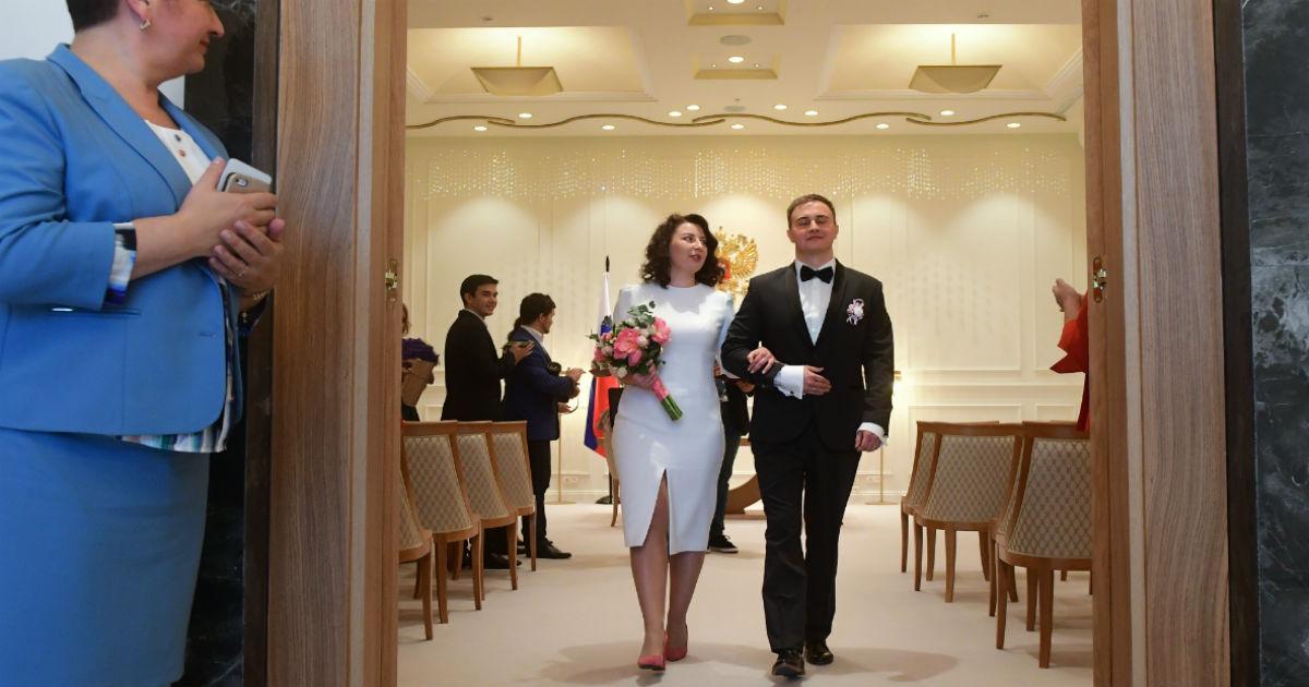 Фото Свадьбы, учет пожилых и интернет. Что изменится в жизни россиян с октября