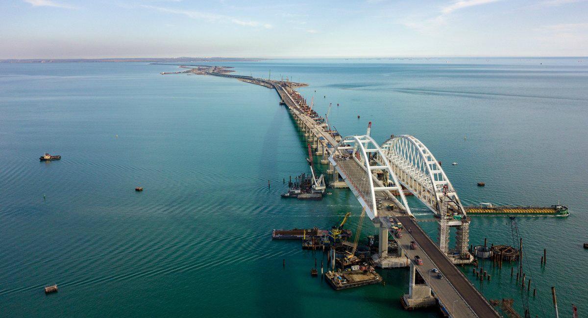 Чем уникален Крымский мост?