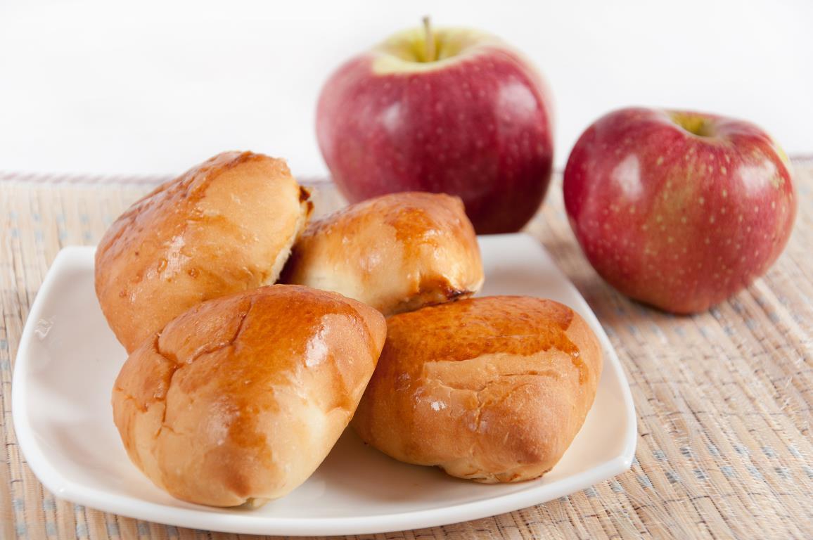 Домашние пирожки с яблоками
