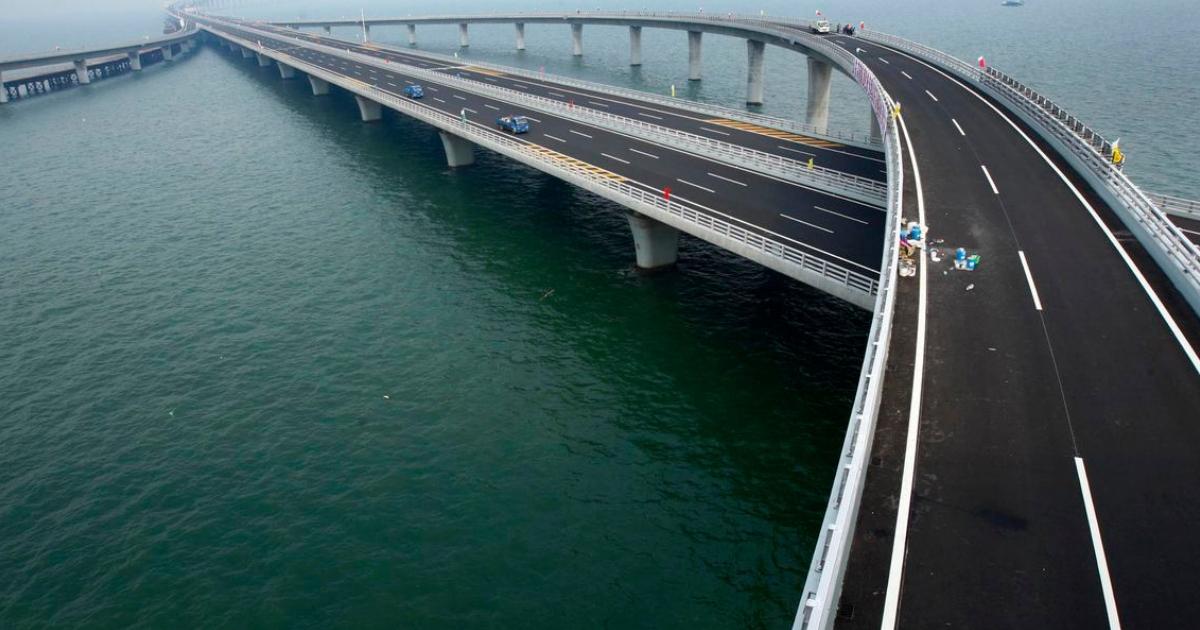 Фото В Китае открыли самый длинный морской мост в мире