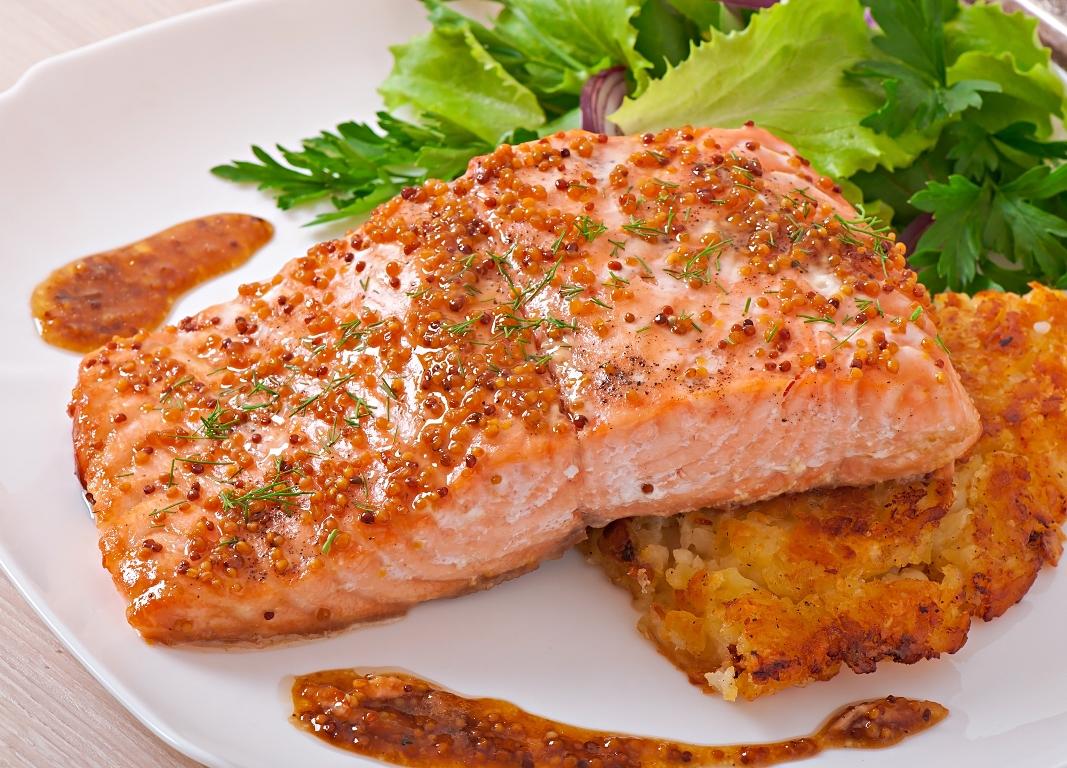 Изумительно вкусный лосось в медово-горчичном соусе