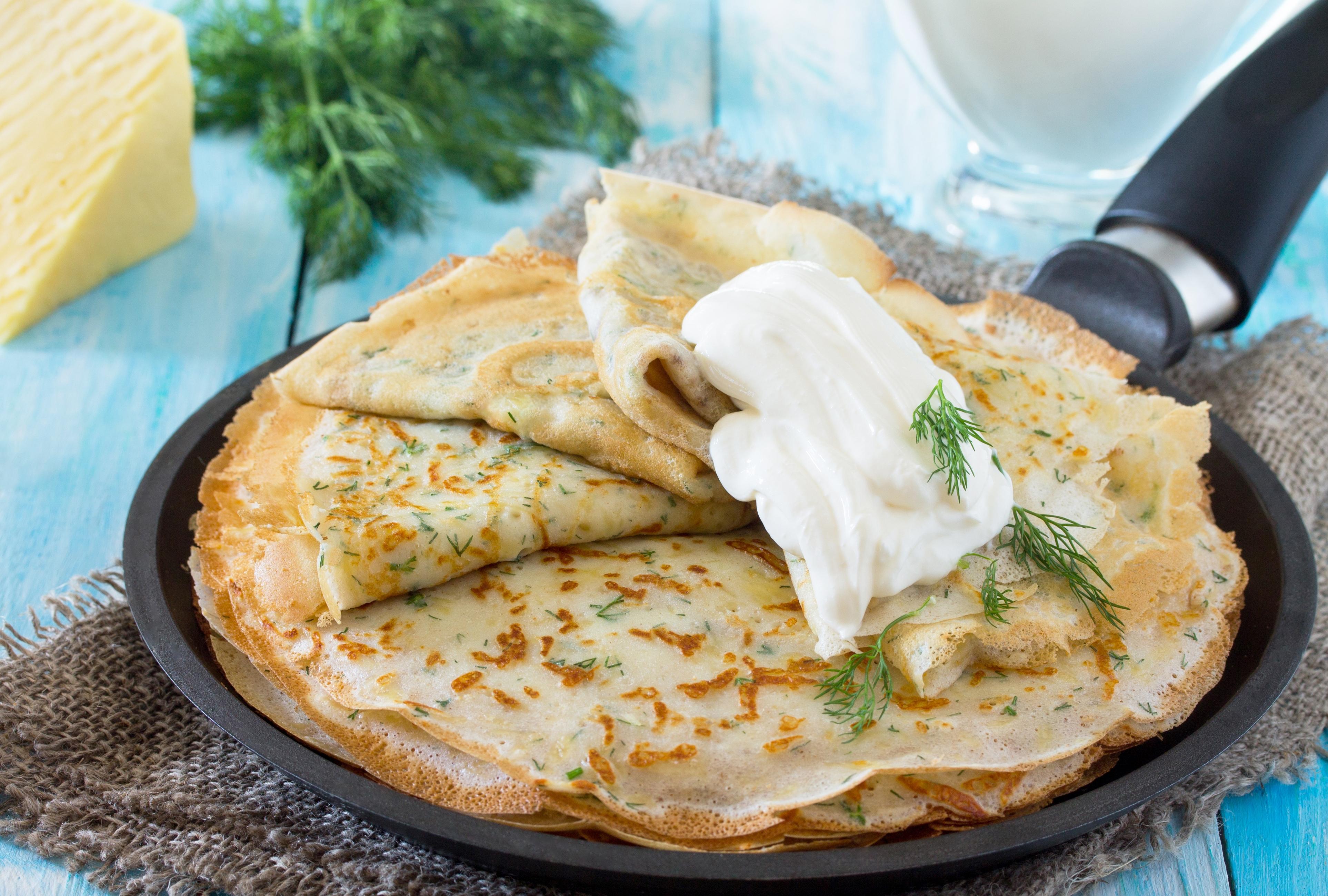 Блины с сыром и зеленью – объедение!
