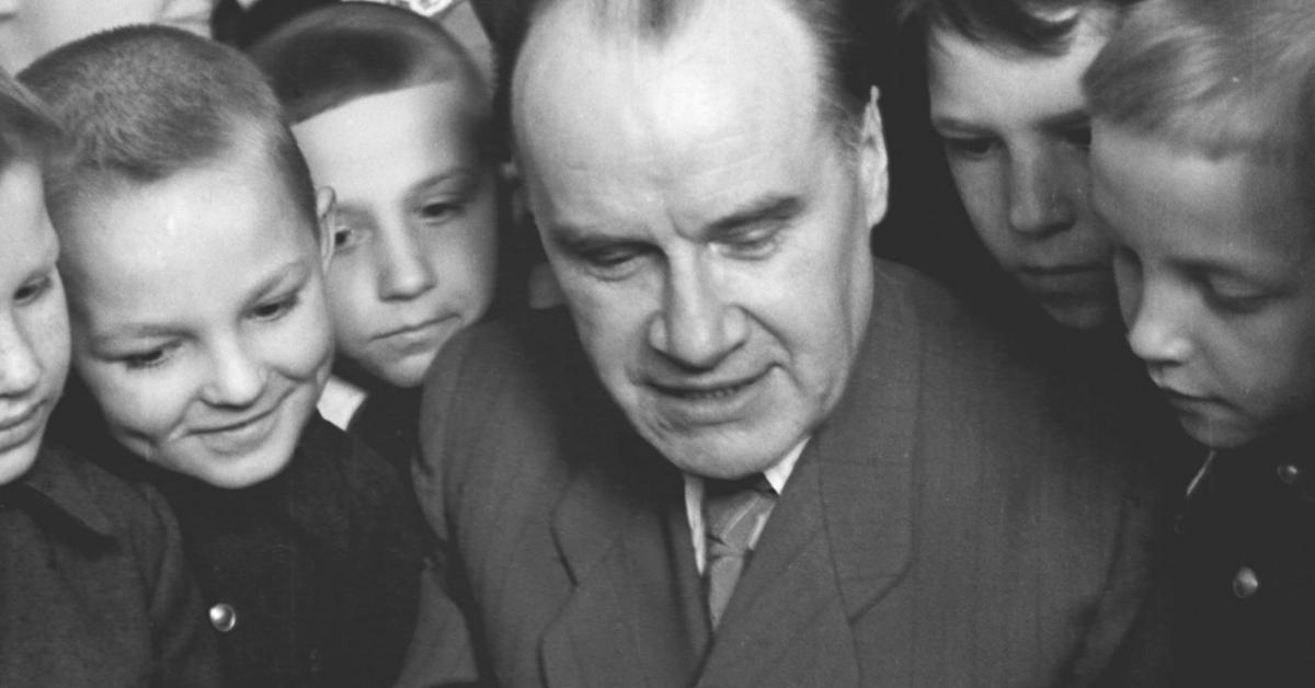 """Фото Автору """"Незнайки"""" 110 лет. О чем на самом деле писал Николай Носов?"""