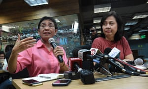 Photo of Philippines journalist Maria Ressa vows to challenge tax fraud charges after arrest