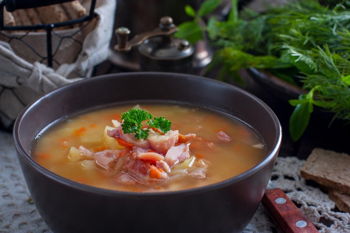 Вкуснейший гороховый суп с копченостями