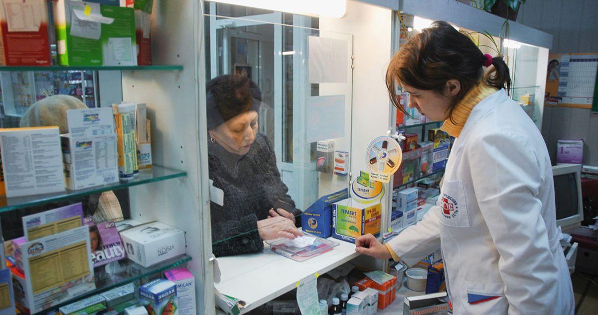 «Начальство заставляет втюхивать дребедень». Анонимные признания аптекарей