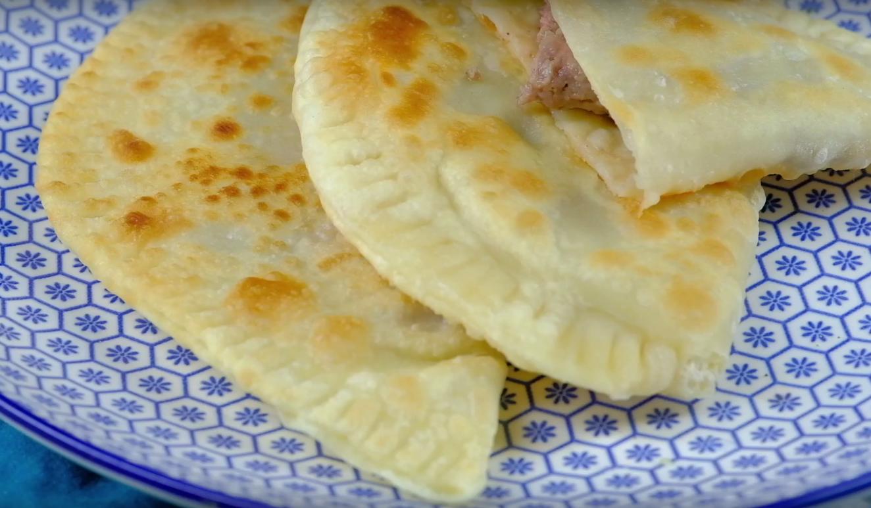 Хрустящие чебуреки с мясом: проверенный видео и фото-рецепт воздушного теста на основе водки