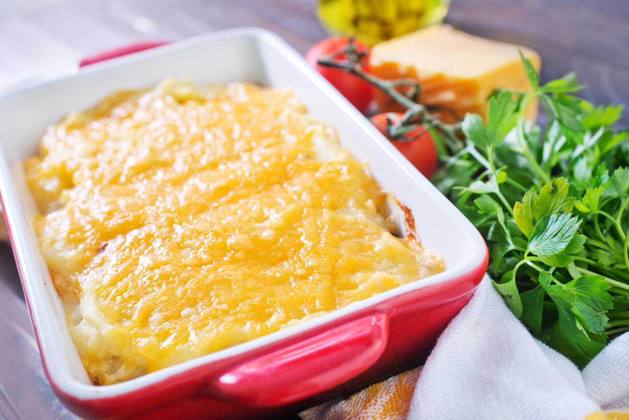 Запеченная рыба с помидорами под сыром