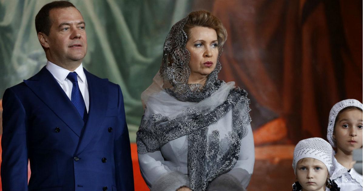 Фото Большинство россиян хотят отставки Медведева. Почему это не поможет
