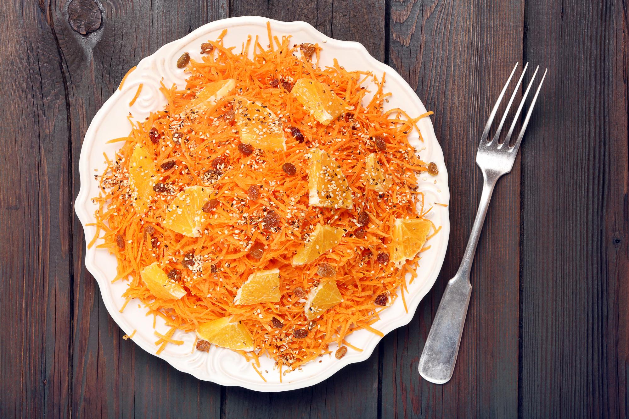 Салат с морковью и апельсинами