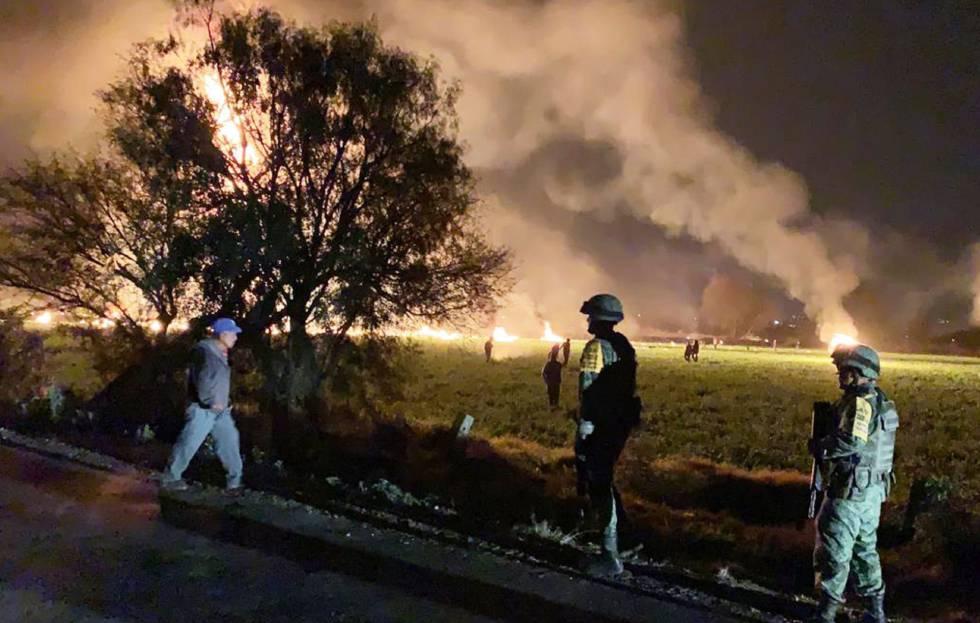 Photo of En vivo | La explosión de una toma ilegal de combustible en el municipio mexicano de Tlalhuelilpan