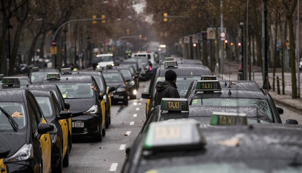 Photo of ¿Qué ofrece el Govern a los taxistas?
