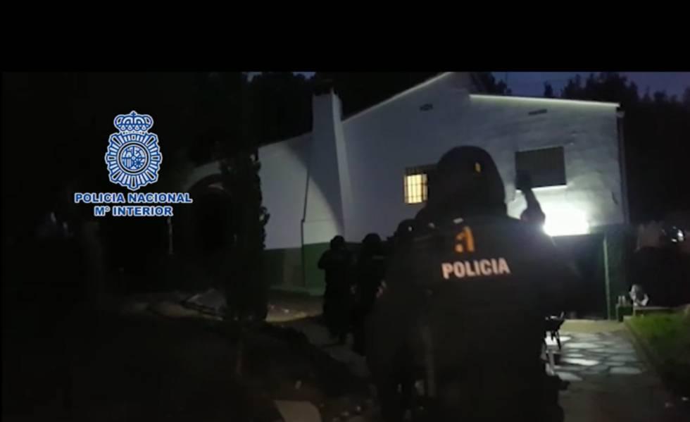 Photo of La policía desmantela en Valencia uno de los mayores laboratorios de cocaína de Europa