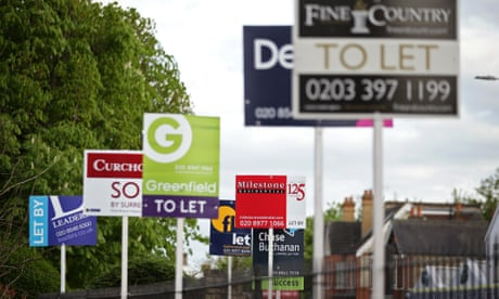 Photo of UK rents fall for first time in a decade