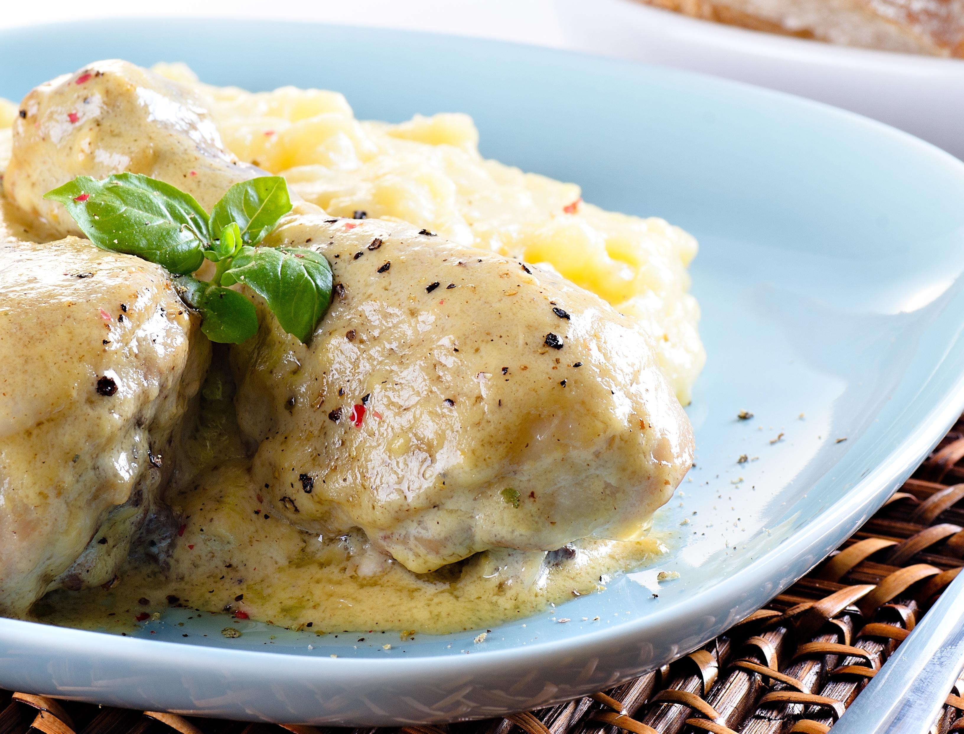 Куриные голени в сливочно-сырном соусе