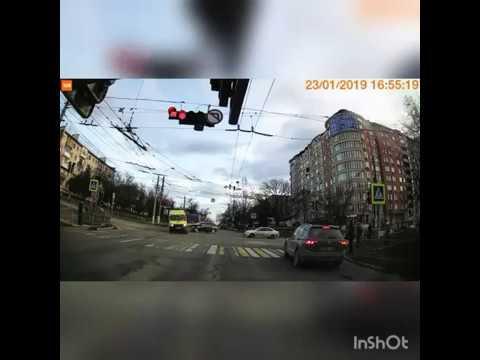 Фото https://youtu.be/au_fvidK3fQ  Симферополь. Пострадала женщина-фельдшер.