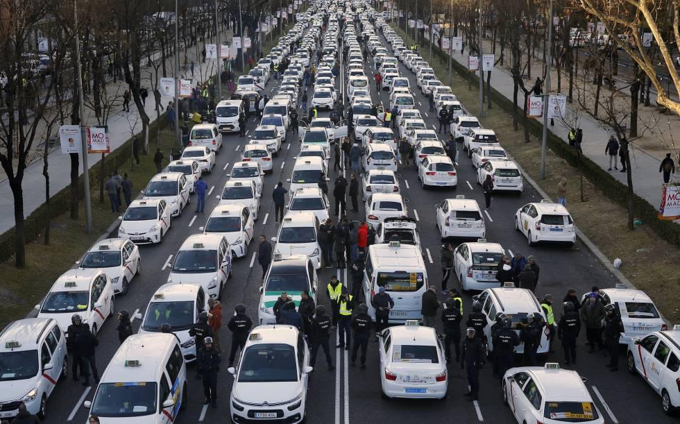 Photo of Directo | La huelga de taxis en Madrid: los taxistas entregan su propuesta