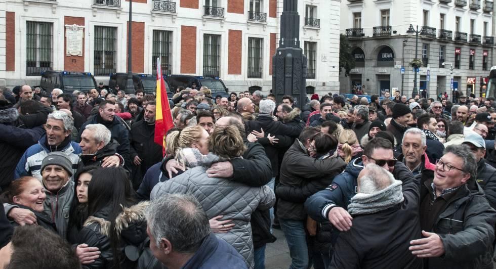 Photo of Un abrazo antes de que flaqueen las fuerzas