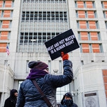 Protesters Try to Storm Federal Jail in Brooklyn With Little Heat or Electricity