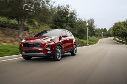 Photo of 2020 Kia Sportage gets a bigger standard touchscreen and more driver aids