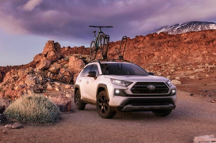 Photo of Toyota aims to turn its grocery-getter RAV4 into a genuine off-roader