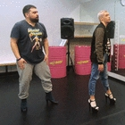 Под каблуком: Продюсер The Village учится танцевать стрип