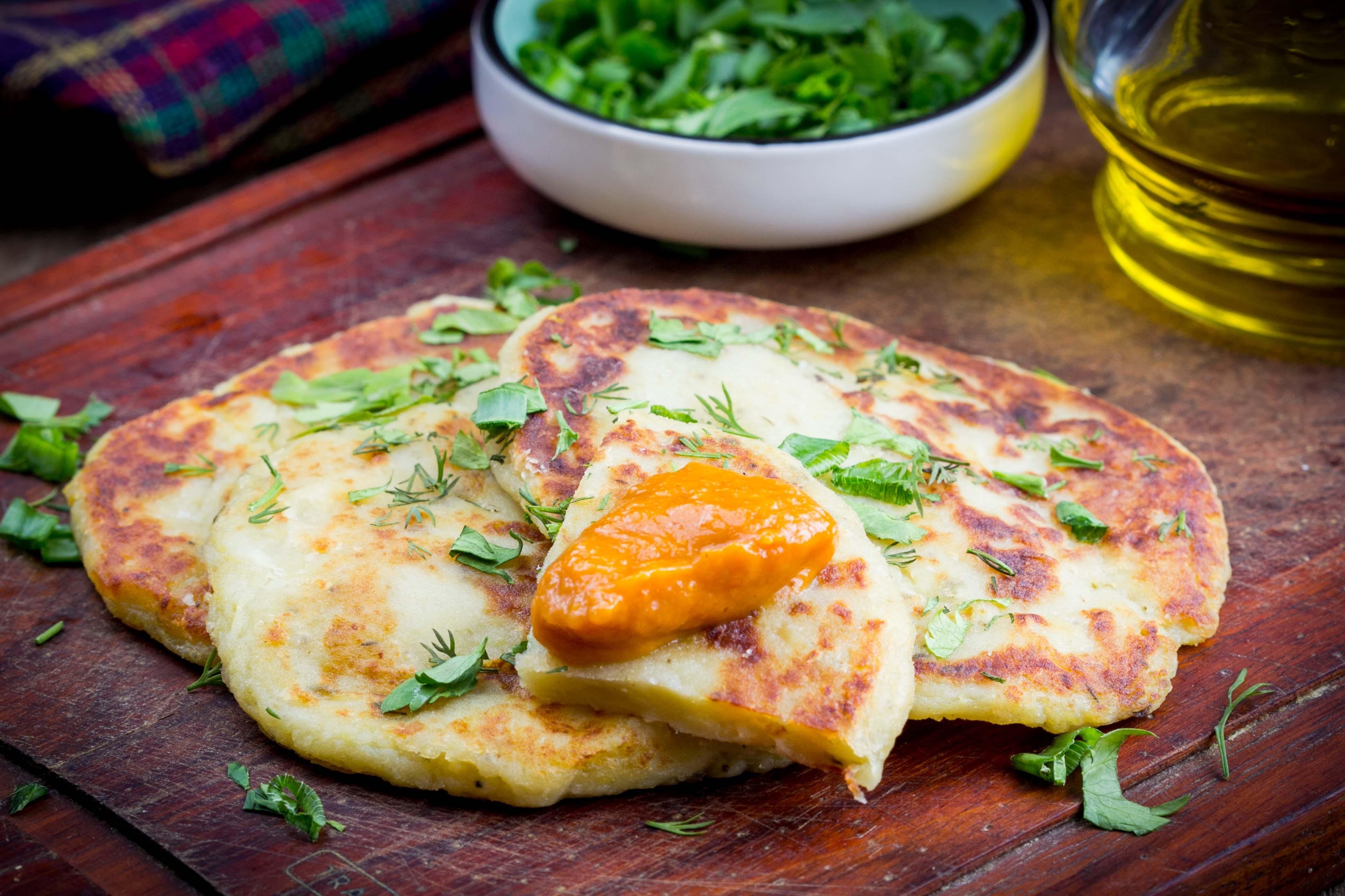 Картофельные лепешки на сковороде – быстро и вкусно!