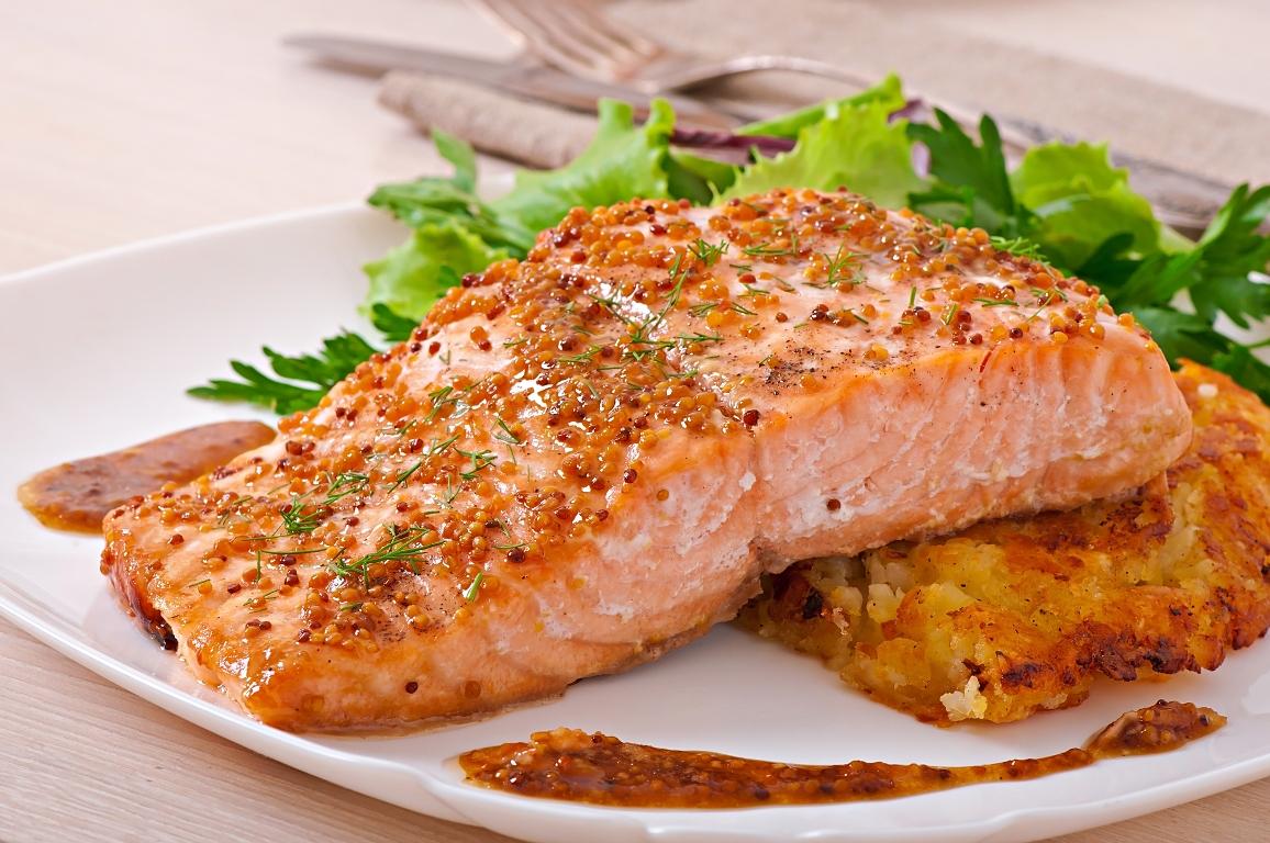 Запеченная красная рыба в медово-горчичном соусе