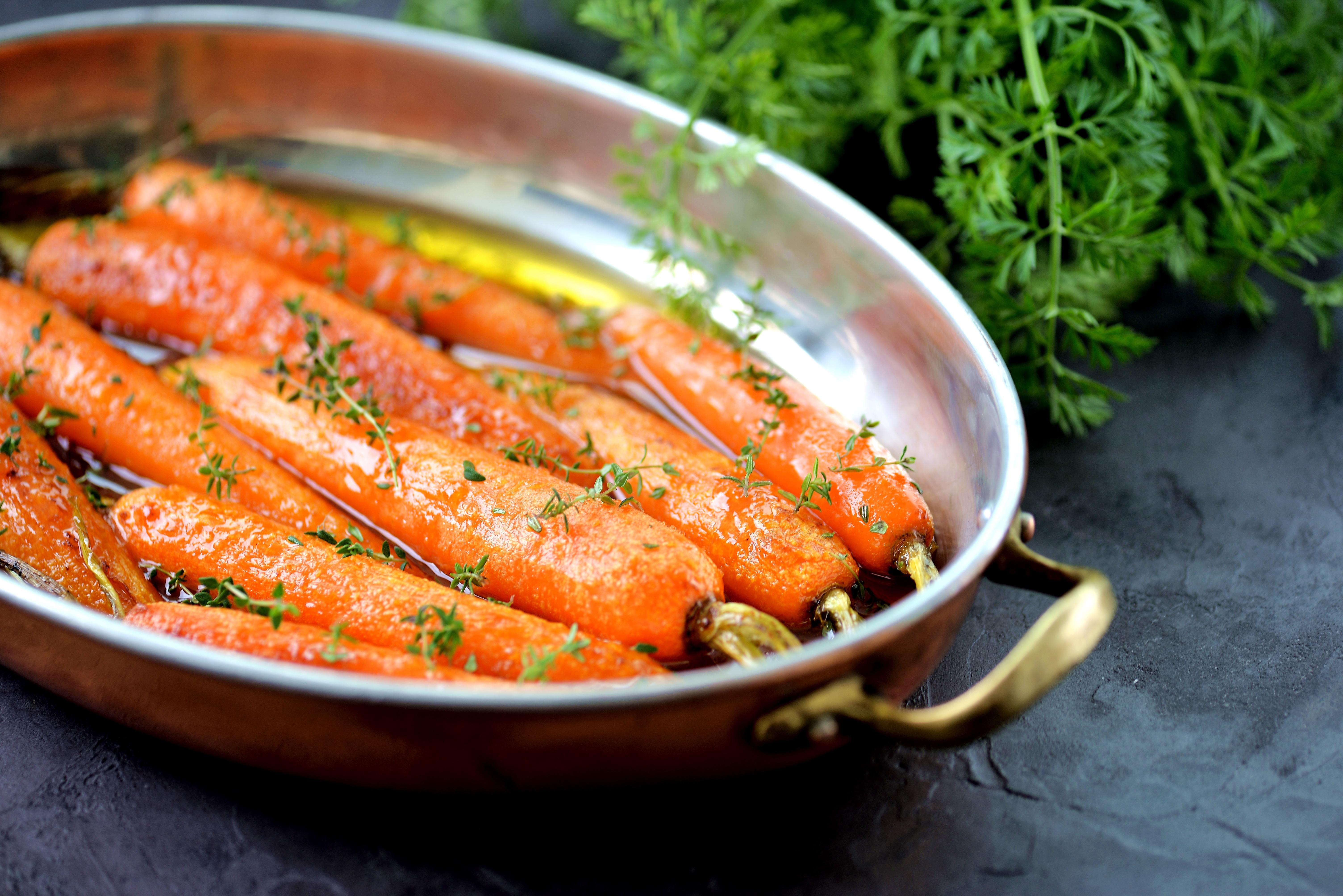 Глазированная морковь в апельсиново-медовом соусе