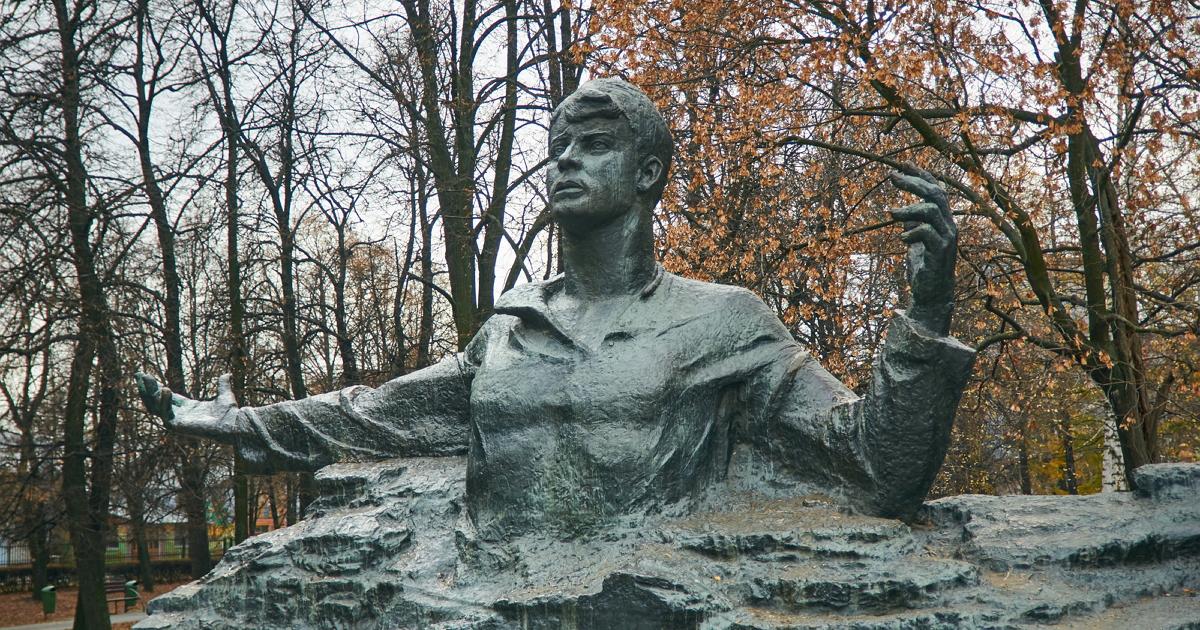 «Я двух баб в жизни бил». Судьба, любовь и смерть Сергея Есенина