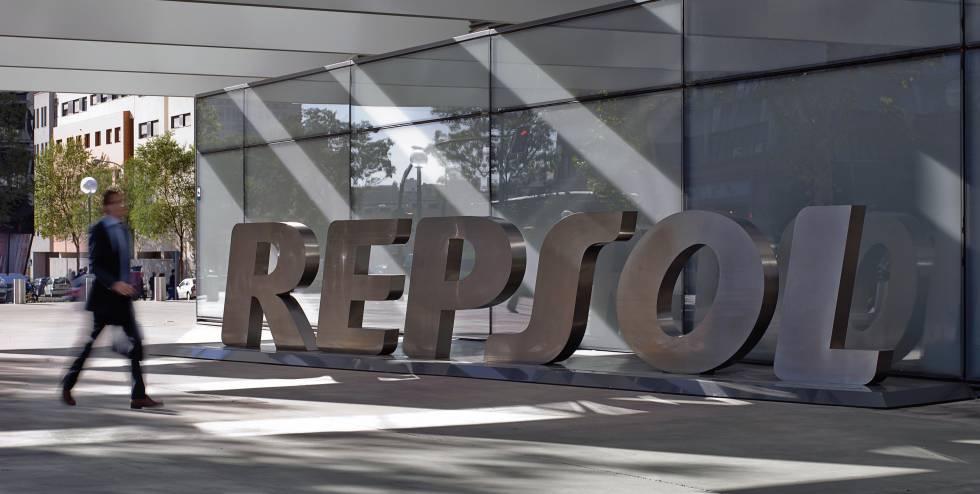 Photo of Repsol gana un 10% más en 2018 y provisiona el riesgo en Venezuela
