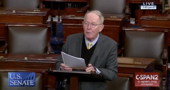 Photo of The 51st vote? Lamar Alexander warns Trump that he should fund the wall without an emergency decree
