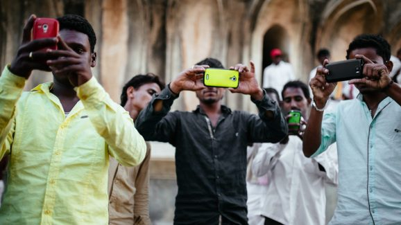 Photo of India advances $708 million high-end iPhone manufacturing project