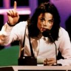 Louis Vuitton уберёт вещи, посвящённые Майклу Джексону