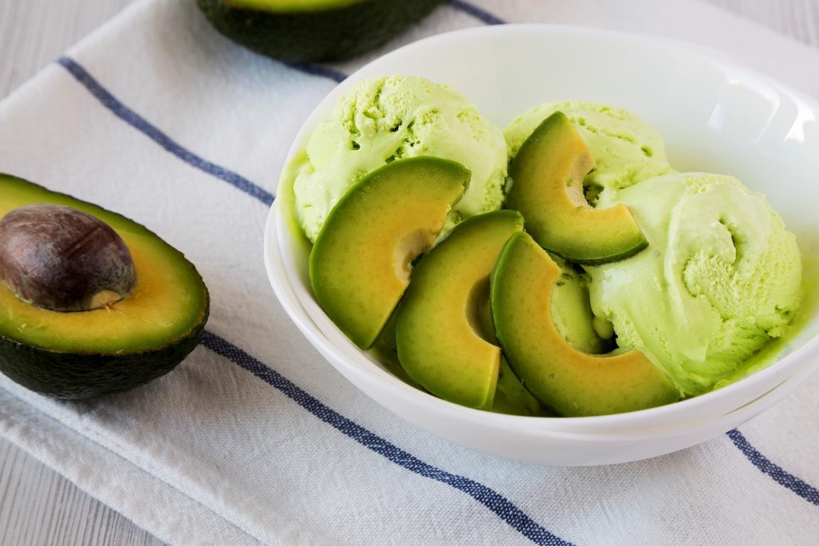 Домашнее мороженое из авокадо по рецепту Джейми Оливера