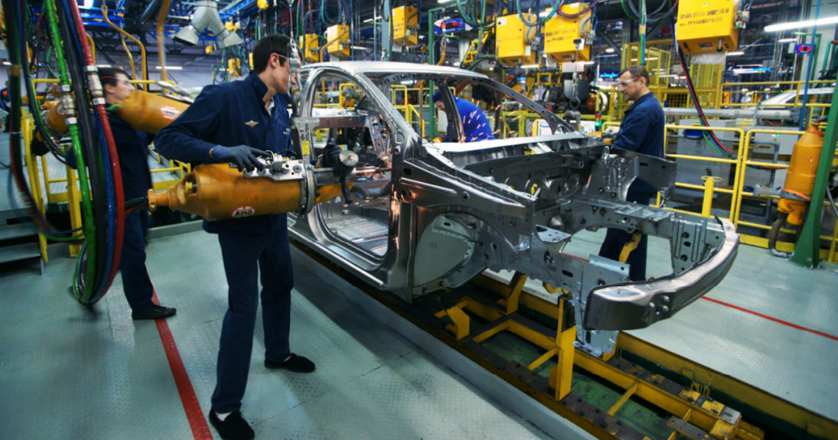 Фото В России резко выросло промышленное производство. Что тут не так?