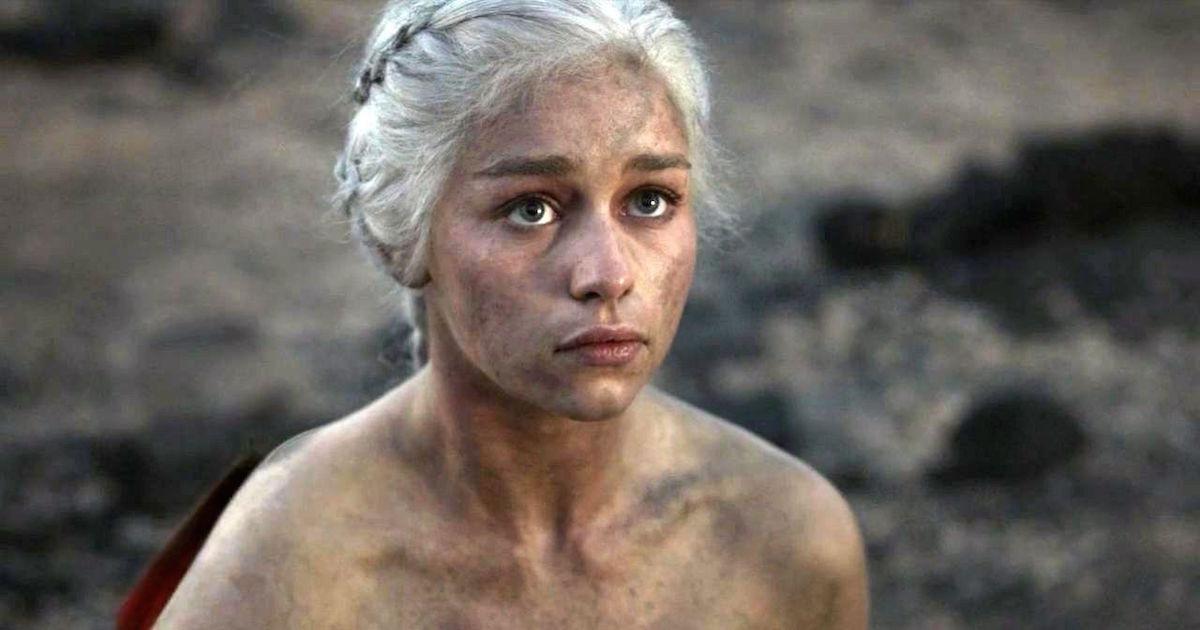 Секс-символ «Игры престолов»: голая правда об Эмилии Кларк (23 ФОТО)