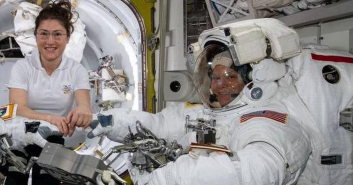 Космос отменяется: женщинам-астронавтам на МКС не хватило скафандров