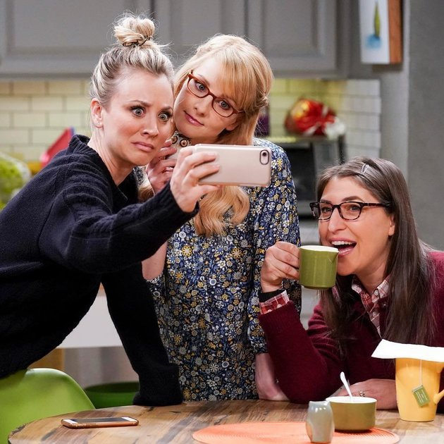 Photo of 'The Big Bang Theory' bate recorde e se torna série de comédia mais longa da TV