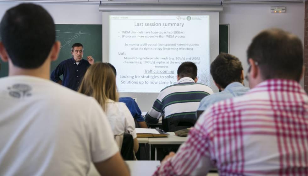 Photo of La dejadez de la Generalitat sobre la exigencia de idiomas confunde a los universitarios