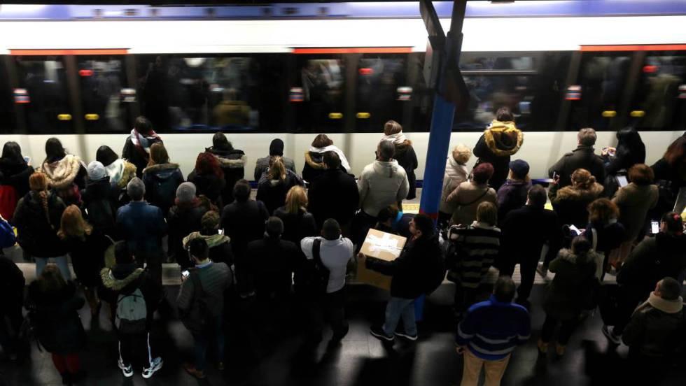 Photo of Huelga en Metro de Madrid: este lunes circula la mitad de los trenes