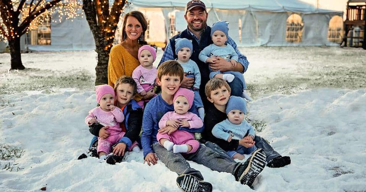 Фото Супруги хотели четвертого ребенка, а судьба подарила им сразу шестерых