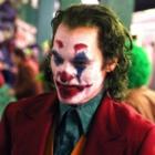 """Фото Хоакин Феникс гуляет по Готэму в первом трейлере """"Джокера"""""""