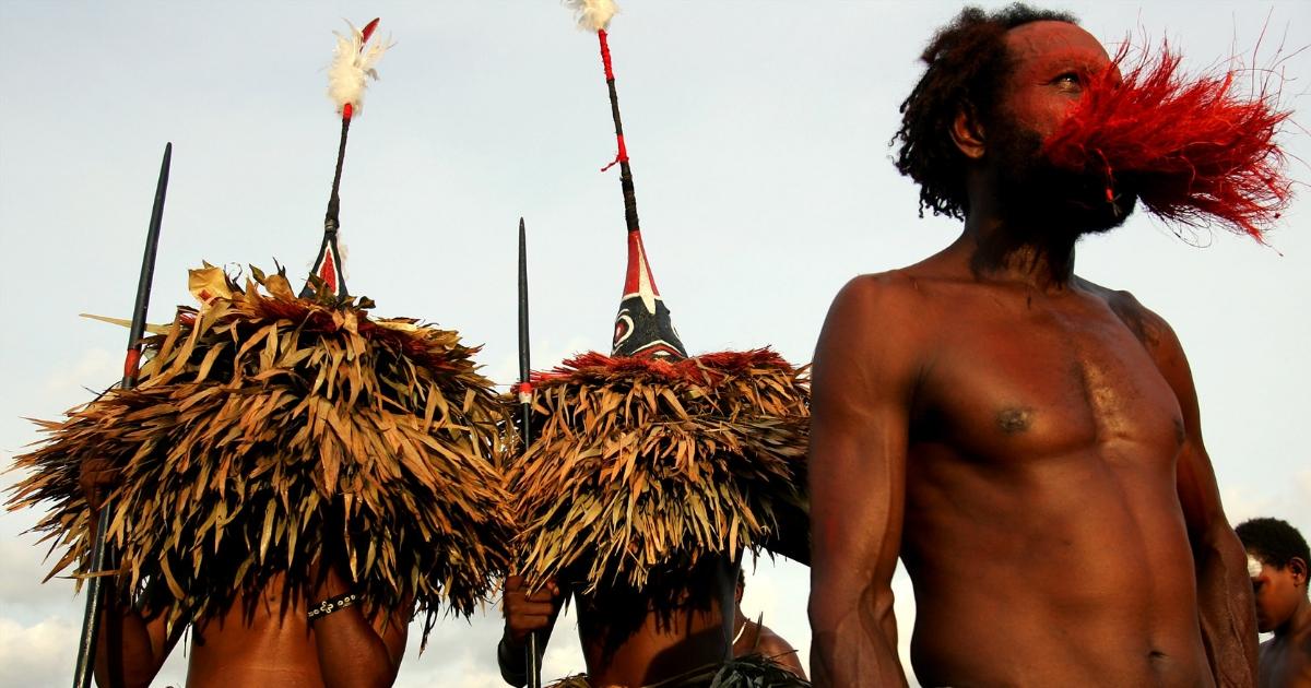 Фото Имеет значение? В Папуа-Новой Гвинее мужчины повально увеличивают пенисы