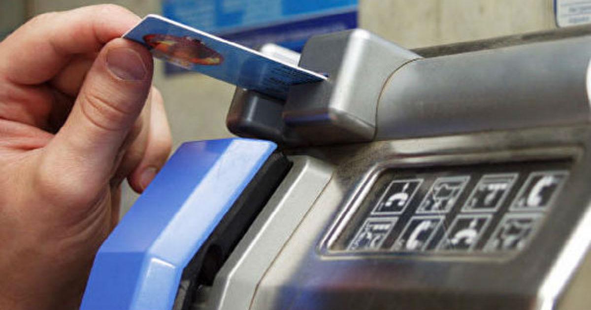 Таксофоны в России станут бесплатными. На их содержание тратят миллиарды