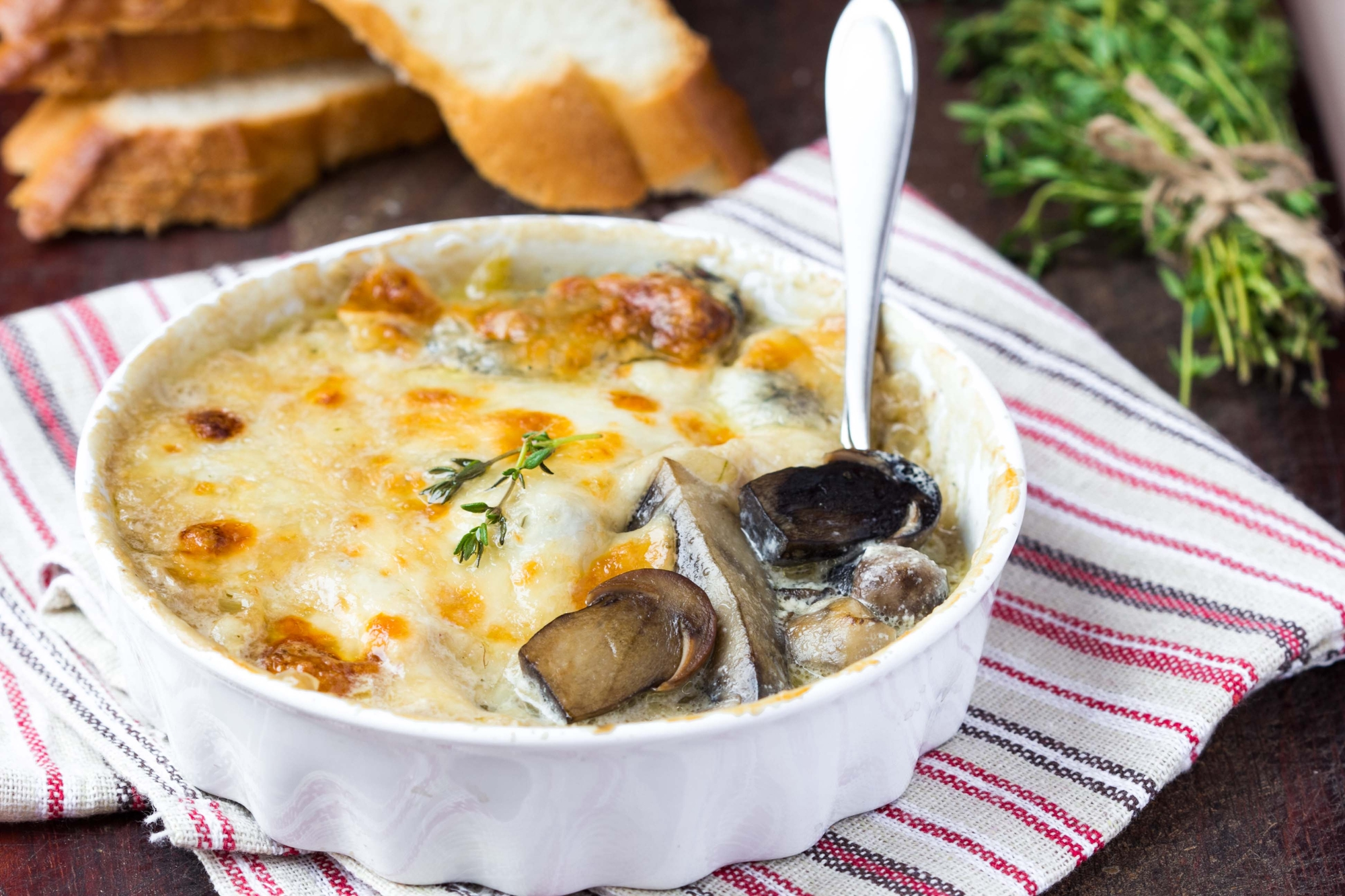 Жюльен с грибами и картофелем