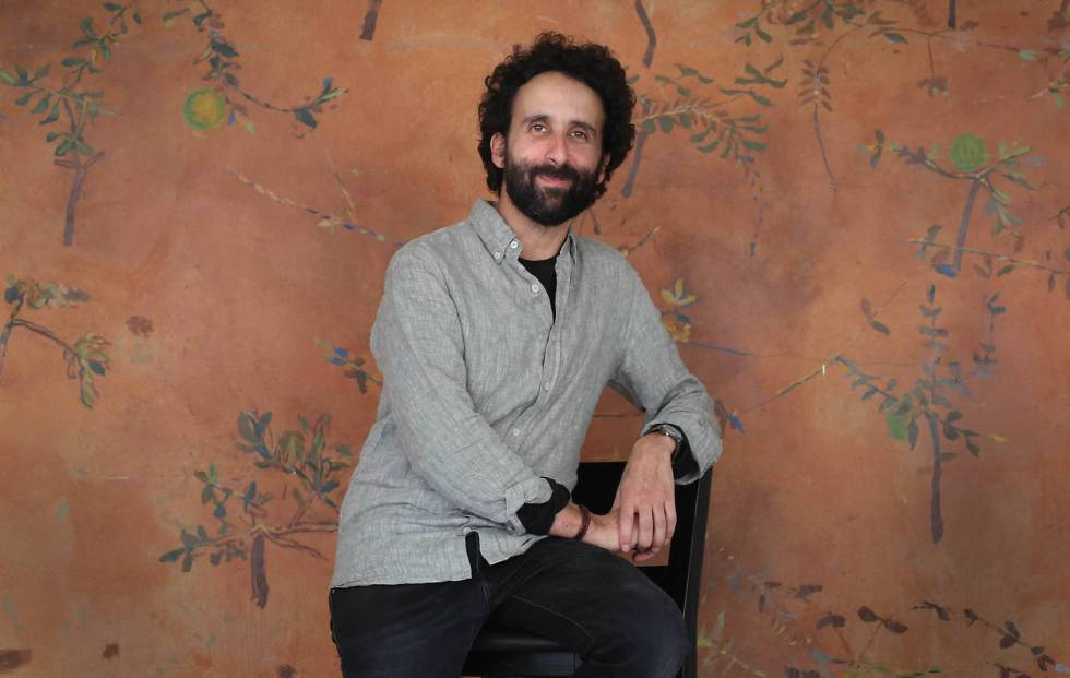 Photo of El autor y director teatral prepara tres piezas para la próxima temporada