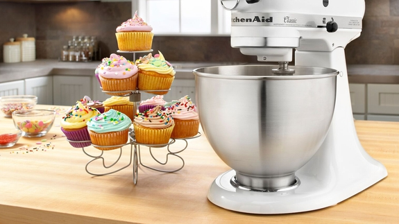 Photo of This white KitchenAid stand mixer is on sale for less than $200 at Walmart