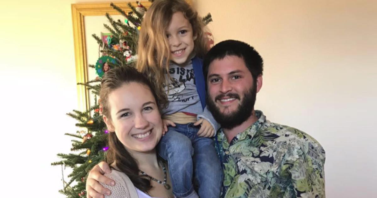 У родителей отобрали больного раком ребенка за лечение розмарином